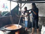 proses-pembuatan-dodol-karisma-di-kampung-masjid-desa-bojonggede-kabupaten-bogor.jpg