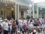 ratusan-anak-yatim-mengahdiri-acara-santunan-di-balaikota-bogor-jumat-1752019.jpg