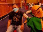 ratusan-wartawan-di-kota-bogor-menjalani-vaksinasi-covid-19.jpg