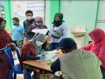 registrasi-vaksinasi-massal-di-halaman-kantor-pemdes-bojonggede-a.jpg