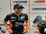 rio-haryanto-saat-di-interview-oleh-awak-media-di-chang-international-circuit-buriram-thailand.jpg