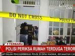 rumah-terduga-teroris-penyerang-mabes-polri-didatangi-polisi-rabun-3132021.jpg