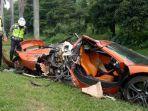 satu-unit-mobil-sport-mewah-kecelakaan.jpg