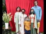 sebelum-dipernjara-ini-potret-dwi-sasono-bareng-istri-dan-3-anaknya.jpg