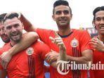 striker-persija-jakarta-marco-simic-otavio-dutra-dkk-merayakan-gol.jpg