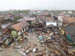 suasana-dampak-tsunami-selat-sunda-di-desa-sumber-jaya.jpg