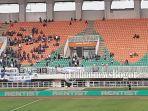 suasana-stadion-pakasansari-cibinong-kabupateng-bogor-di-laga-ps-tira-persikabo-vs-psis-semarang.jpg