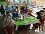 suasana-vaksinasi-di-perumahan-cilebut-2-sukaraja-kabupaten-bogor.jpg