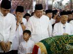 susilo-bambang-yudhoyono-ketiga-kiri-agus-harimurti-yudhoyono-kiri-dan-edhie-baskoro-yudhoyono.jpg