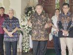 susilo-bambang-yudhoyono-sempat-mengucapkan-terima-kasih-ke-para-wartawan.jpg