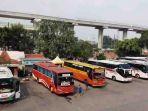 terminal-bus-kampung-rambutan_20180608_170429.jpg