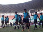timnas-u-19-indonesia-berlatih-di-stadion-pakansari-sebelum-uji-coba.jpg