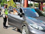 truk-dan-kendaraan-jenis-sedan-terlibat-kecelakaan-lalu-lintas-di-jalan-pajajaran.jpg