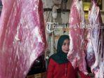 vika-34-penjual-daging-sapi-di-pasar-cibinong-kabupaten-bogor.jpg