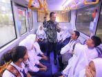 wali-kota-bogor-bima-arya-saat-meninjau-rute-bus-sekolah-saat-operasi-perdana.jpg