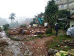 warga-kampung-sedong-kecamatan-cisarua-kabupaten-bogor-terkena-longsor-proyek.jpg