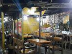 warung-di-kawasan-riung-gunung-kecamatan-cisarua-kabupaten-bogor_20180518_190706.jpg