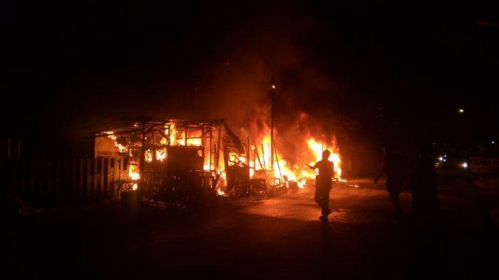 Satu Keluarga Gosong Terbakar di Atas Ranjang Rumahnya, Diduga Terlalu Nyenyak Tidur