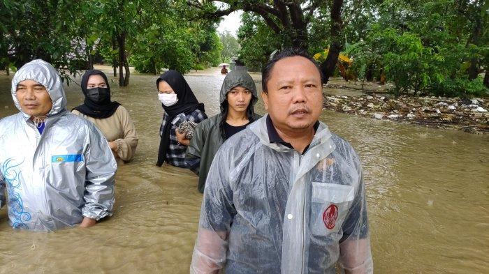 300 KK Mengungsi Akibat Banjir di Desa Wanasalam Ligung Majalengka, Tinggi Air 1 Meter Lebih