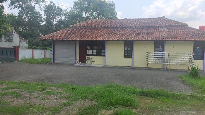 Rumah Dinas Camat Kadipaten, Kabupaten Majalengka, Ucu Fajar Hayati
