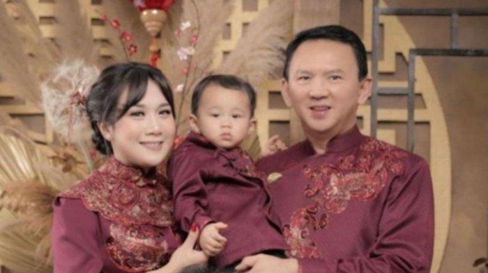 Ahok Rayakan Imlek Bersama Istri dan Anaknya, Ini Harapan Suami Puput Nastiti di Tahun Kerbau Logam