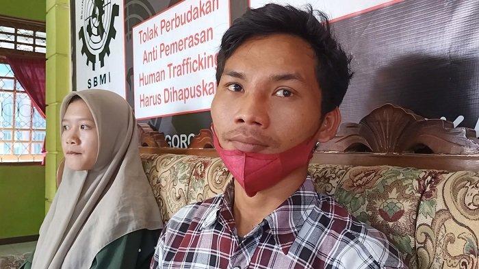 Agni Ramadhan atau yang akrab disapa Ahok (25), anak dari Rokaya TKW Indramayu yang sakit parah di Irak, Senin (27/9/2021).