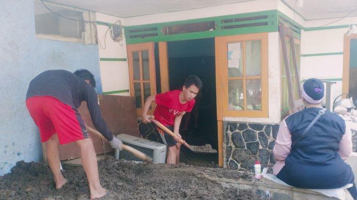 156 Rumah Rusak Diterjang Banjir Akibat Tanggul Sungai Cisunggalah Bandung Jebol Dua Kali