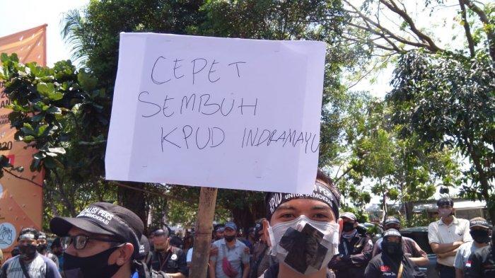 Aksi Lakban Mulut Turut Warnai Demo Wartawan di Kantor KPU Indramayu, Ada 3 Hal Tuntutan