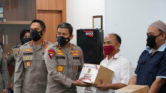 Alumni Akpol 1997 Batalyon Wira Pratama di Polda Jabar Keliling Lakukan Bakti Sosial