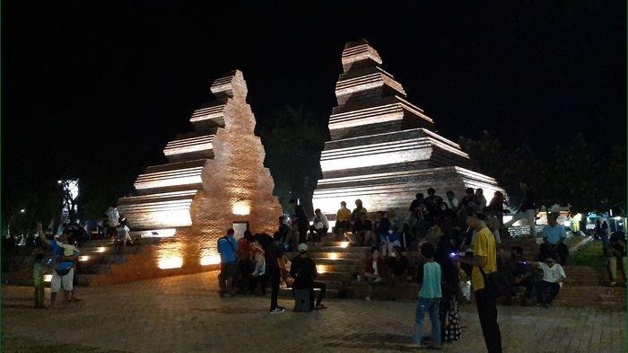 Cantiknya Suasana Malam di Alun-alun Kejaksan Kota Cirebon, Banyak Lampu Kelap-kelip