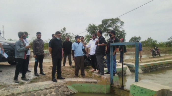 Tinjau Daerah Lumbung Padi Indramayu, Anggota DPR RI dan Kementerian PUPR Pantau Saluran Irigasi