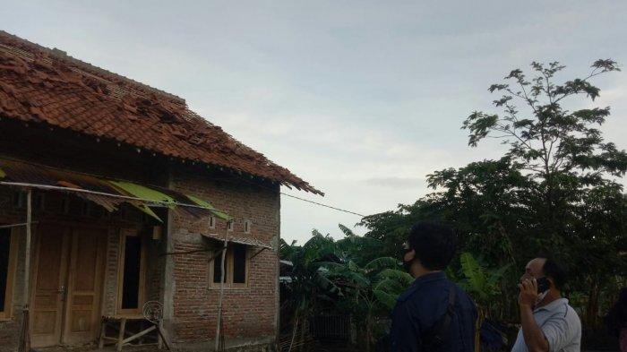 Angin Puting Beliung Terjang Kabupaten Cirebon, Dua Orang Luka Ringan, 25 Unit Rumah Rusak Ringan