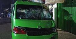 Mobil Angkot Digunakan Pelaku Saat Tabrak Satpam Hingga Meninggal Dunia.