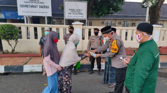 Aparat Gabungan Kawal Pelaksanaan Sholat Idulfitri di Masjid Agung Al-Imam Majalengka