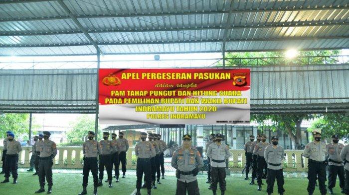 Apel Pergeseran Pasukan dalam rangka pengamanan tahapan pungutan dan hitung suara Pilkada Indramayu 2020 di Mapolres Indramayu, Senin (7/12/2020).