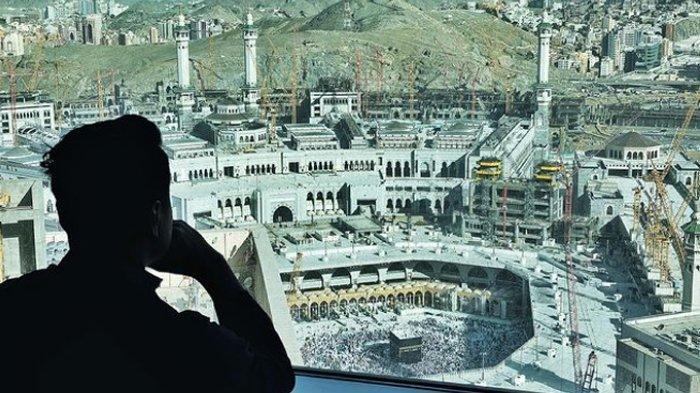 Komentari Haji 2021 Batal, Arie Untung Dibully, Ini Tulisan Lengkap Suami Fenita Itu