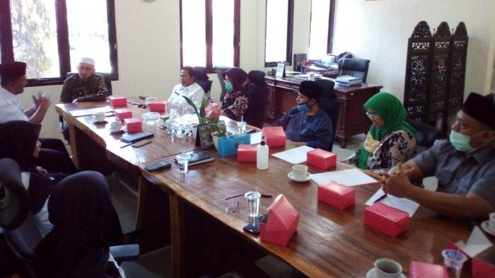 Audiensi dengan DPRD, Bapas Kelas I Cirebon Beberkan Tugas Pokoknya