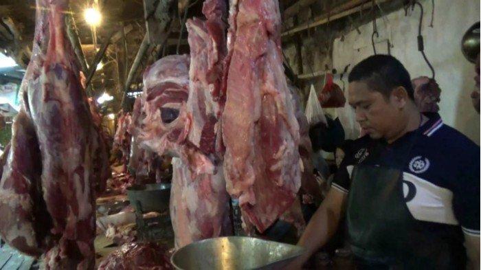 Daging Ayam dan Sapi Naik Hingga Rp 30 Ribu per Kilogram di Pasar Rebo Purwakarta