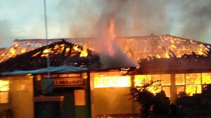 7 Ruangan di SMPN 2 Indramayu Ludes Terbakar, Termasuk Lab Komputer dan Ruang Kepala Sekolah