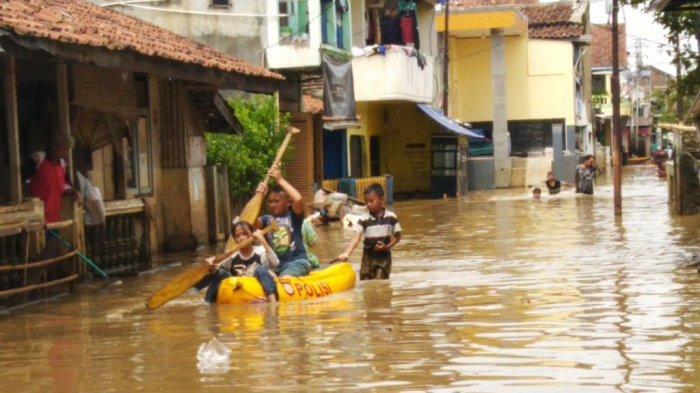 Kemarin Hujan Deras, Baleendah & Dayeuhkolot Terendam Banjir, Ketinggian Air Sempat Capai 1,4 Meter