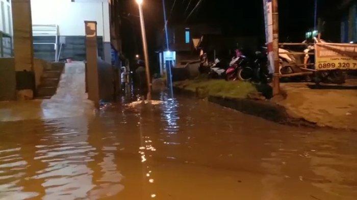 Sungai Citarum Meluap, Kampung Bojongasih Dayeuhkolot Kembali Terendam Air, Warga Belum Mengungsi