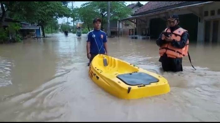 Senin Pagi, Sejumlah Area di Indramayu Dilanda Banjir, Banyak Sungai Meluap, Termasuk Sungai Cimanuk