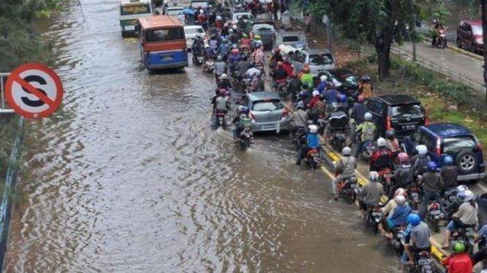 Wilayah Jakarta Kembali Direndam Banjir, Ini Daftar 5 Jalan Tol yang Tergenang Banjir Selasa Pagi