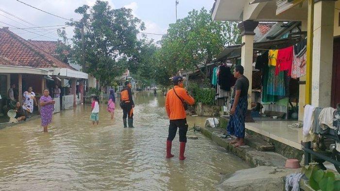 Dua Desa di Majalengka Masih Terendam Banjir, Ternyata Ada Tanggul Jebol di Bagian Hulu