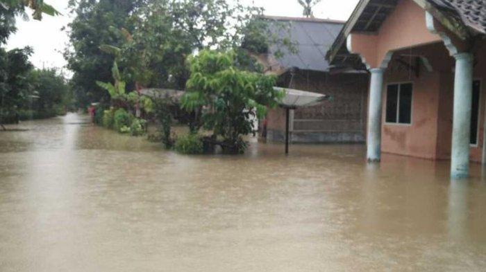 Ribuan Rumah di Pandeglang Terendam Banjir, Emil Bilang Bantuan Sudah Disalurkan ke Warga