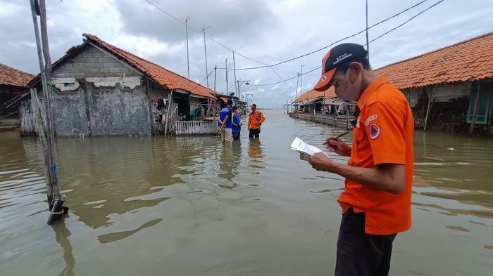 Sudah 19 Hari  Banjir Rob Terjang Pesisir Indramayu, Warga Minta Bupati Tinjau Kondisi Mereka