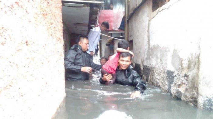 VIDEO - Banjir di Kelurahan Cibadak Kota Bandung, 100 Rumah Terendam dan  Perabotan Hancur