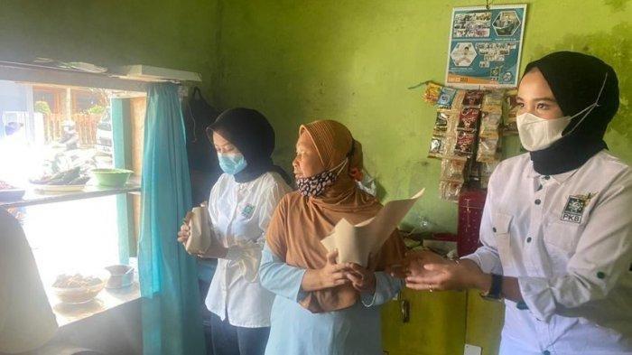 Bantu UMKM Laris, Gus Ami Borong Semua Makanan di Warung Nasi dalam Rangka Kegiatan FoodBank