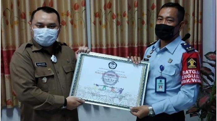 Penanganan ABH Dinilai Maksimal, Bapas Kelas I Cirebon Diganjar Penghargaan oleh Komnas PA Jabar