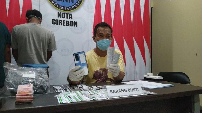 Ini Barang Bukti yang Disita dari Si Kembar di Kota Cirebon, 280 Butir Obat Keras, HP Juga Uang